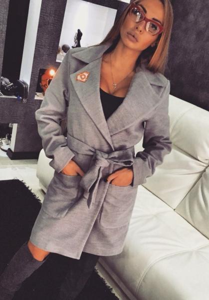 Пальто с поясом 46р серое