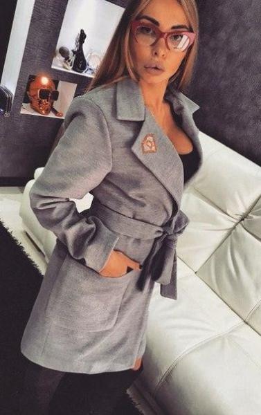Фото Женские пальто Пальто с поясом 46р серое