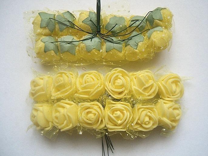 Фото Цветы искусственные, Роза латексная 2.5 см Роза  латексная  2 - 2,2 см ,   Жёлтая  с  фатином.   Упаковка  12  цветочков .