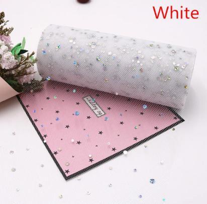 Фото Фатин и регилин Фатин   ширина  15 см.   Белого  цвета  с  круглыми  блёсточками .