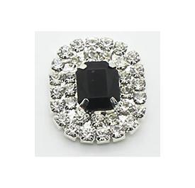 Серединка  19 * 21 мм.   Металическая  основа  Серебряного  цвета  с  белыми  хрустальными  стразами  в  два  ряда ,  и   Чёрным  камешком  в  маленьких  цапах .