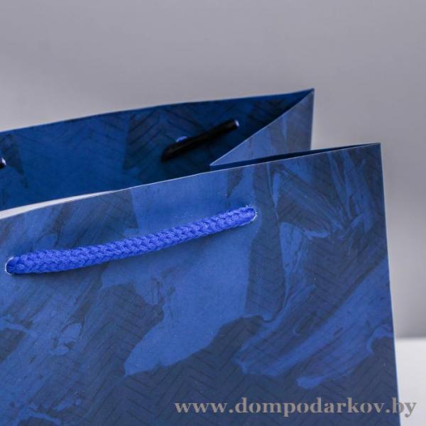 Фото ПОСМОТРЕТЬ ВЕСЬ КАТАЛОГ, Подарочные наборы / сувениры, Подарки / разные Пакет ламинированный квадратный «Настоящему мужчине», 22 × 22 × 11 см