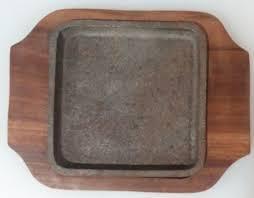 Сковорода чугунная квадратная на деревянной подставке 150*150 мм (шт) 9967