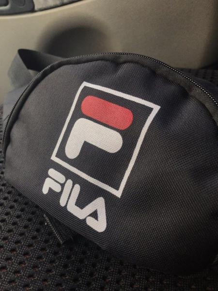 Поясная сумка черная Fila