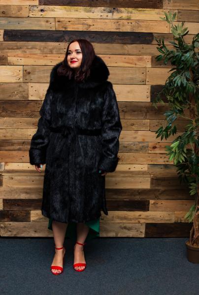 Пальто шуба метровка из нутрии с песцовым капюшоном