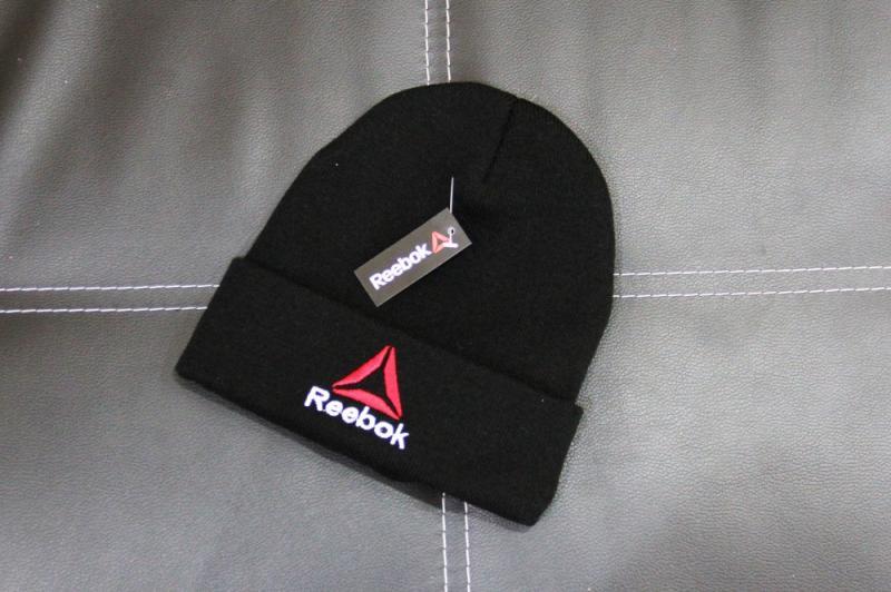 Шапка Reebok pyramid black
