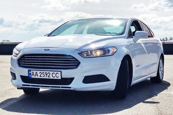 Ford Fusion 2015 белый