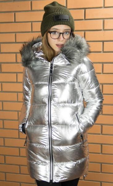 Женская удлиненная куртка с капюшоном и опушкой. Харьков