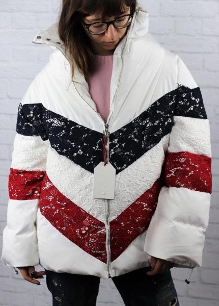Женская куртка с декором Moncler. Харьков