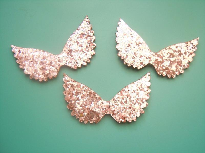 Фото Серединки ,кабашоны, Кабашоны детские мультики Крылья   Розовые  60 * 35 мм.   (  новые )