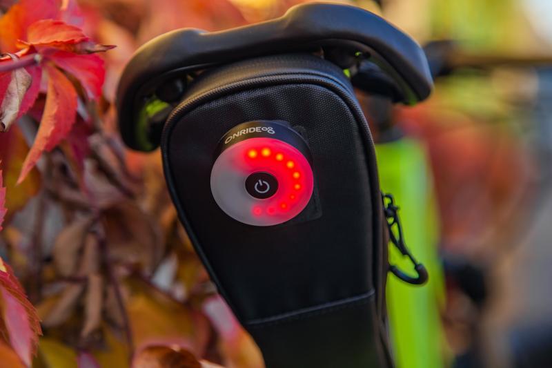 Фото АКСЕСУАРИ, Освітлення, Заднє світло Мигалка задня ONRIDE Donut USB 60 Лм