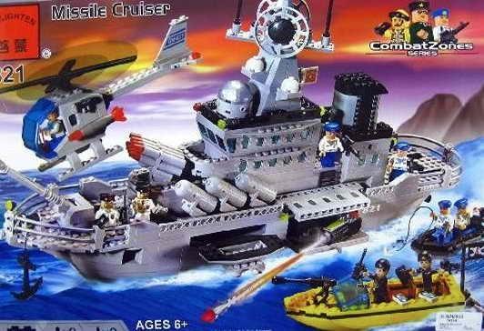 Фото Конструкторы, Конструкторы типа «Лего», Милитари (армия и флот) 821 «Ракетный крейсер» Конструктор Brick 843 детали.