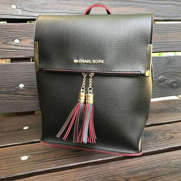 Женская сумка-рюкзак в разных брендах 0059-01