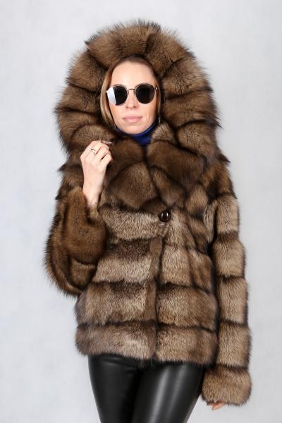 17. Куртка из канадского фишера
