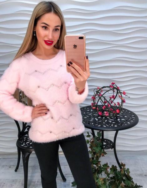 Розовый теплый свитер с ангоркой