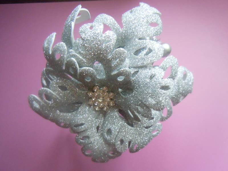 Фото Готовые изделия хенд мейд, Ободки хенд мейд Снежинка на обруче  из фоамирана  серебро