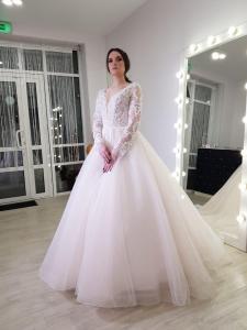 Фото Свадебные платья Стильное блестящее свадебное платье Шарлотта