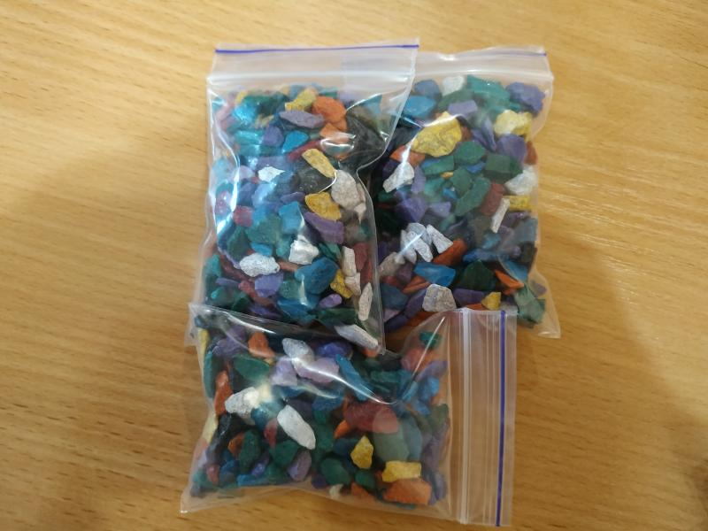 Фото Декор для формикария - (муравьиной фермы) Комплект разноцветных декоративных камушков Микс