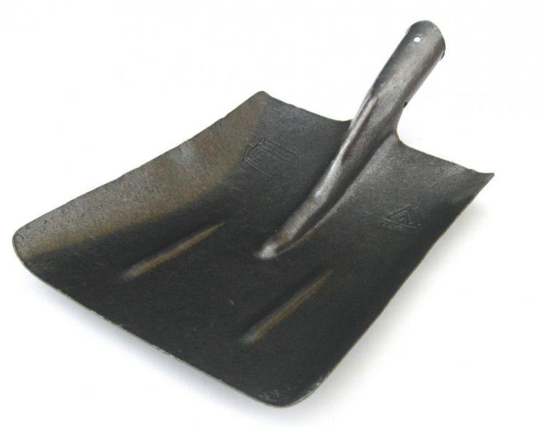 Лопата совковая из рельсовой стали. Тип 1. Без держака.