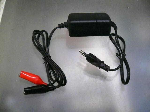 Зарядное устройство для скутера 12V-1A