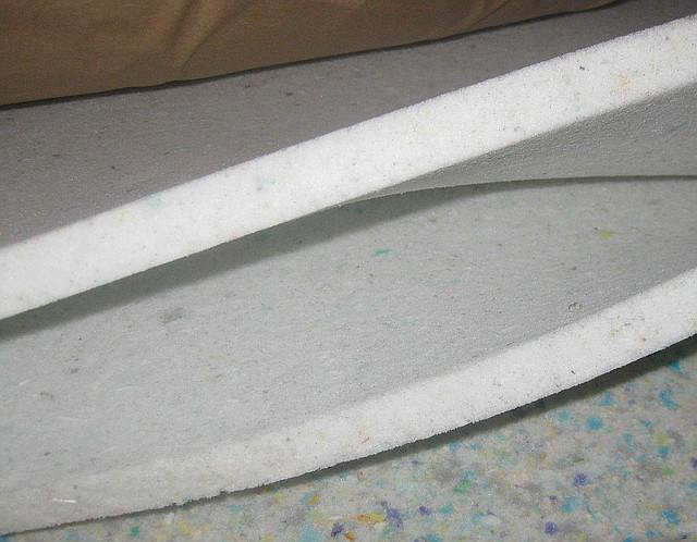 Фото Поролон, синтепон, синтепух (холлофайбер), Вторичновспененный поролон (ВППУ) Поролон вторично вспененный  толщина 20мм (плотность 60 кг/м3) 1х2м