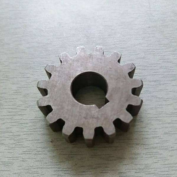Шестерня ведущая запускающая Z-15 R175, R180 (7-8 л.с.)