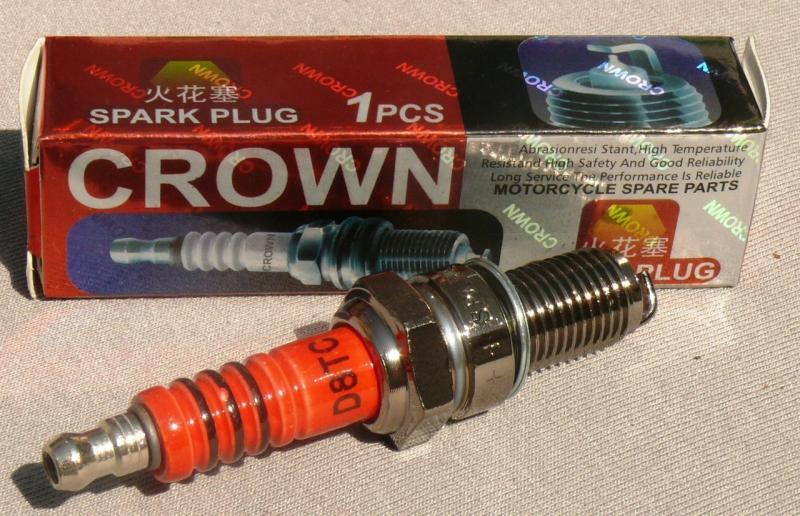 Свеча CROWN D8TC GY6-125