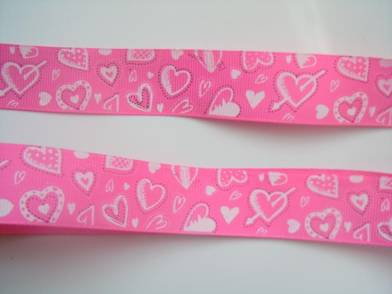 Фото Ленты, Лента репсовая с рисунком  Лента  репсовая  2,5 см.   Розовая  в  сердечках .
