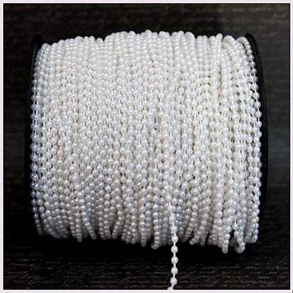 Фото Новинки Бусина  2 -  2,5 мм.  Белая с перламутром на нитке.