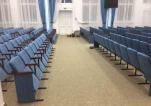 Фото Кресла для актовых залов школы, колледжа, клубов, конференц-залов, Домов культуры, театров и кинотеа Кресло СПМ-3 в актовый зал школы, колледжа, зрительный зал полумягкое от белорусского производителя.