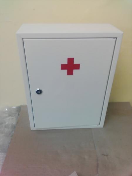 Аптечка настенная металлическая АП1