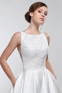 Фото Свадебные платья Закрытое эксклюзивное атласное свадебное платье Рената