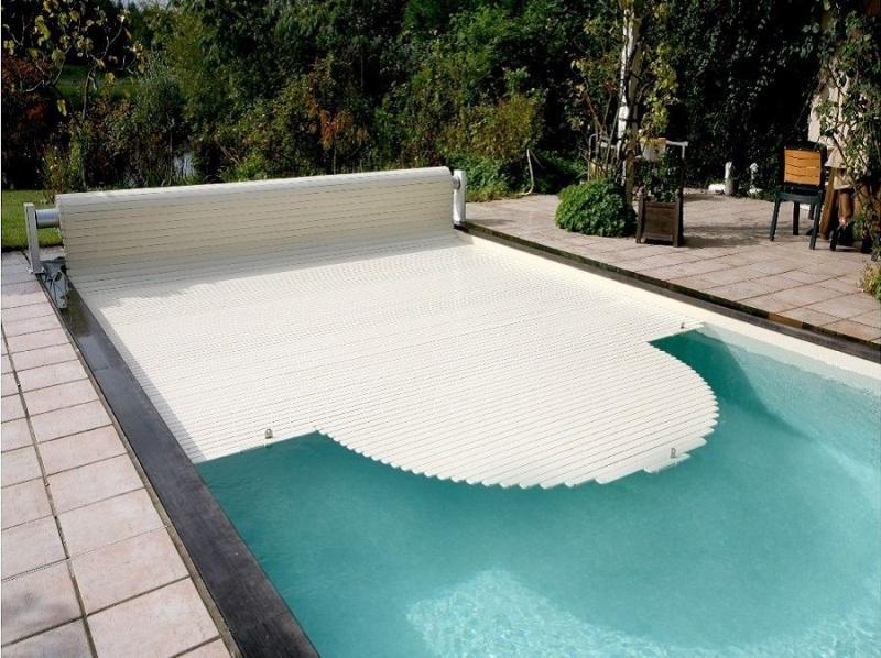Фото Накрытия для бассейнов, роллетное накрытие Роллетное накрытие для бассейна  цвет: белый, серый, бежевый, голубой.