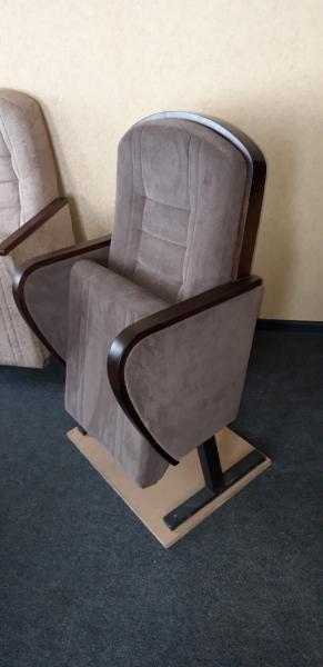 Кресло 9 театральное для кинозала полумягкое от белорусского производителя.