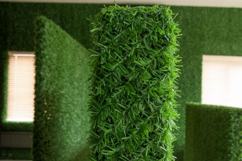 Фото Декоративный зеленый забор Декоративный зеленый забор цвет : темно-зеленый; зеленый микс ; светло зеленый.