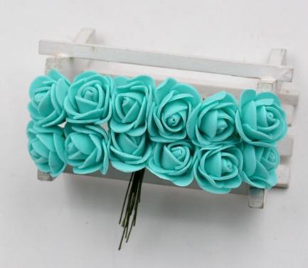 Фото Цветы искусственные Роза  латексная  2 -  2,2 см ,   Мятного  цвета   с  фатином.,  упаковка  12 розочек.