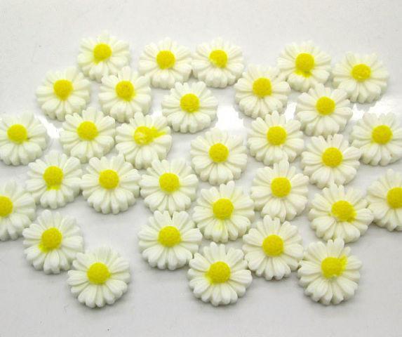 Фото Серединки ,кабашоны, Кабашоны, камеи Ромашки   Белые  с  плоским  низом   12 мм.
