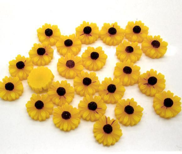 Фото Серединки ,кабашоны, Кабашоны, камеи Ромашки   Жёлтые  с  плоским  низом   11  мм.