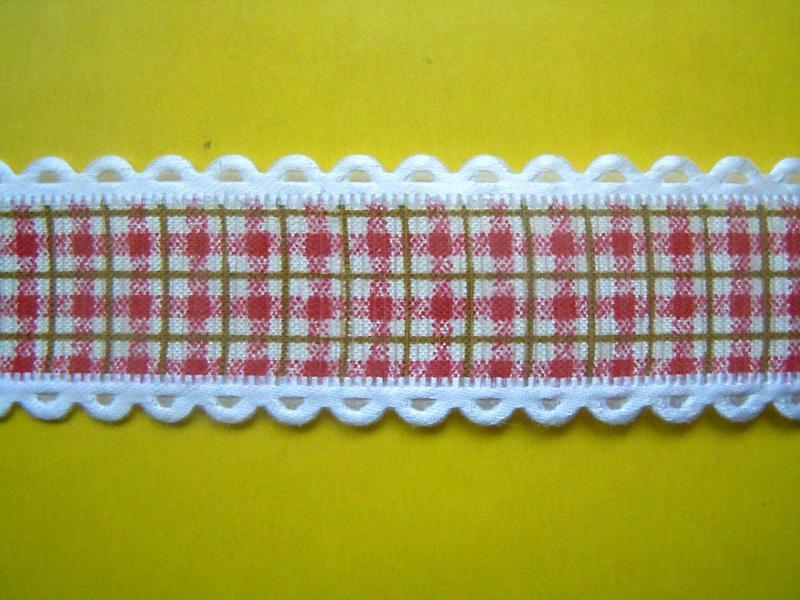 Фото Ленты,  Декоративные  тканевые  ленты . Лента  декор  тканевая , в  красную  клеточку .   Ширина  2,5 см.