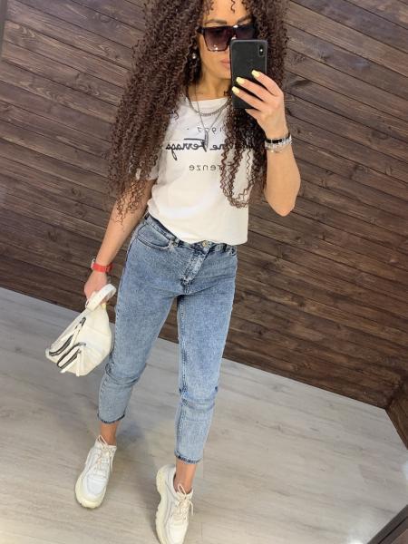 Стрейчевые женские джинсы.