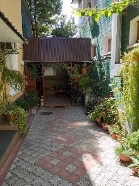 34  Аренда Ялта: 2-х комнатные  апартаменты ( Анжела дворик) ул Свердлова   рядом с Набережной