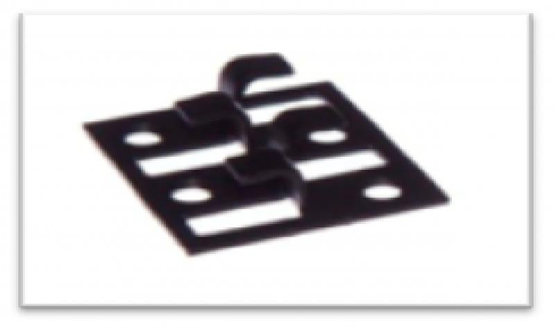 Фото Комплектующие для террасной доски Черненая монтажная клипса. Кляймер для террасы металл+чернение.