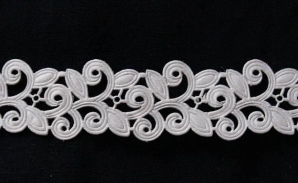 Фото Кружево ,тесьма ,сетка,резинка, Тесьма вьюнчик Тесьма  декоративная  Вьюнчик  ширина  20 мм.  Белого  цвета. ( ОСТАТОК   упаковка 1м 60 см.)