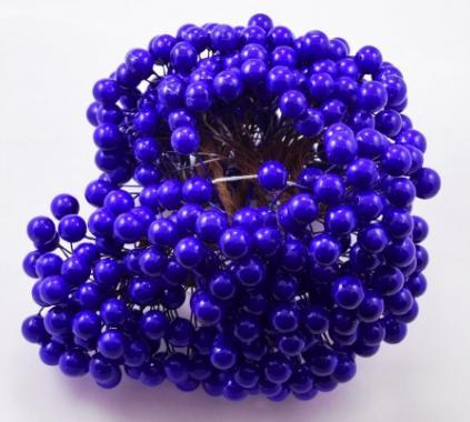 Фото Тычинки , добавки,ягодки Ягодка  глянцевая  8  мм.  Синего  цвета .  Упаковка  25 проволочек   ( 50 ягодок . )