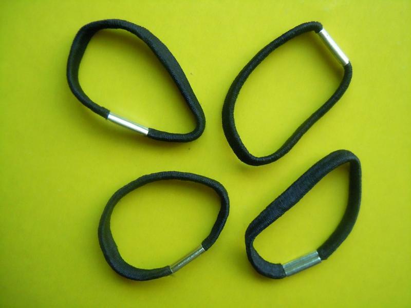 Фото Основы ,фурнитура для канзаши, Резинки Резинка  тонкая  Чёрного  цвета.   В  диаметре  40 мм.  Ширина  5 мм.