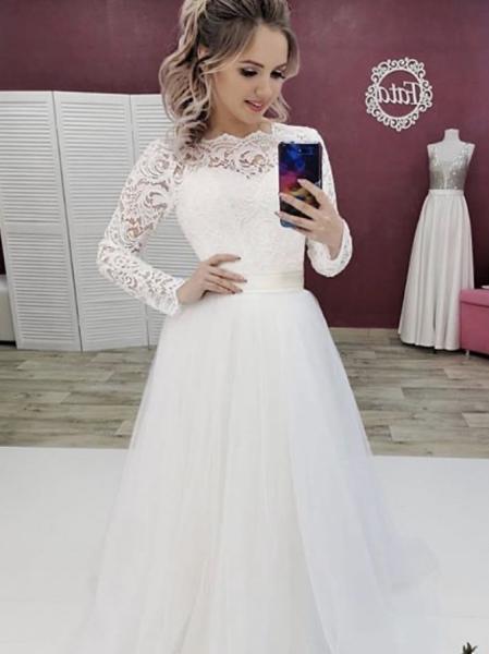 Легкое непышное свадебное платье с рукавами и шлейфом Николь