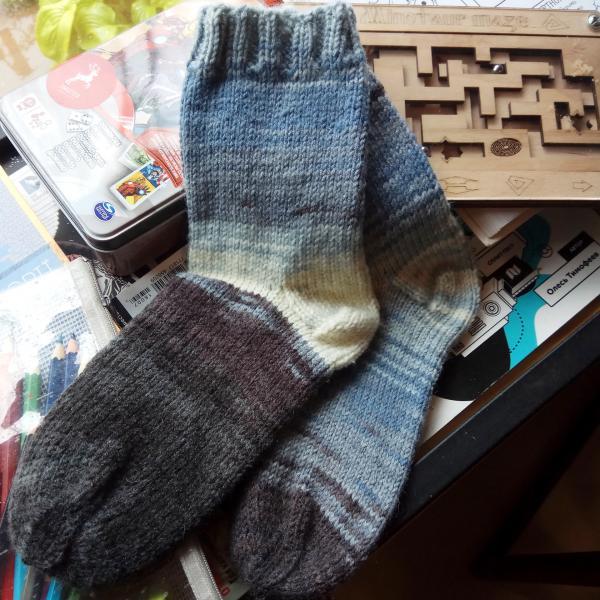 Женские шерстяные серые  носки 36 размер. Вязание на заказ, вязаная спица
