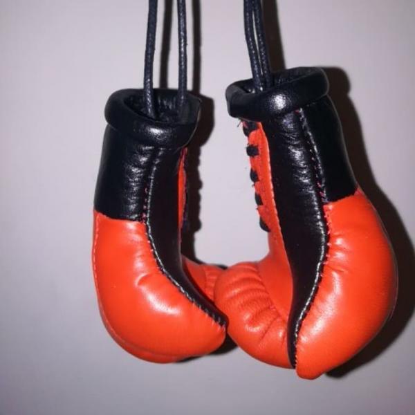 Фото  Боксерские Кожаные Перчатки Брелок Сувенир