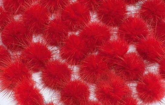 Фото Вязаный ,тканевый  декор . помпоны Помпоны из натурального меха  2,6 - 2,8 см.  Красного  цвета.