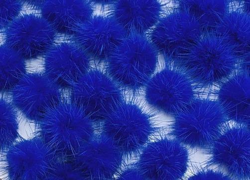 Фото Вязаный ,тканевый  декор . помпоны Помпоны из натурального меха  2,5 - 2,8 см.  Синего  цвета.